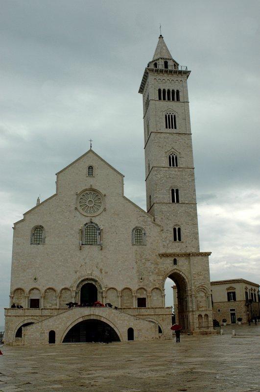 2019-04-07 Kathedrale San Nicola Pellgrino in Trani3.JPG