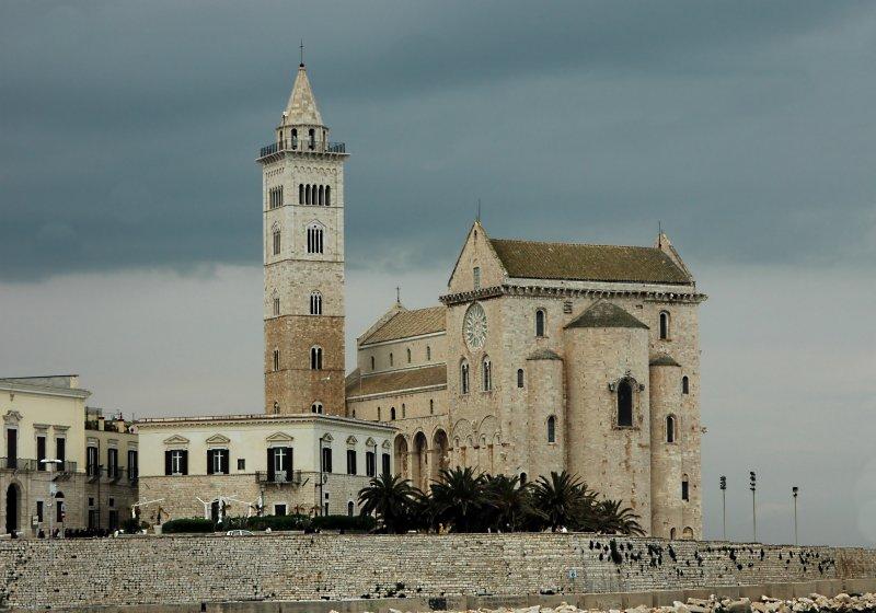 2019-04-07 Kathedrale San Nicola Pellgrino in Trani9.JPG