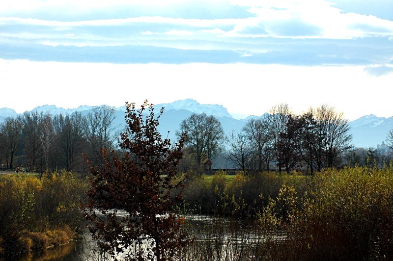 2019-11-24 Blick auf die Ammer und Zugspitze 3 - Kopie.JPG